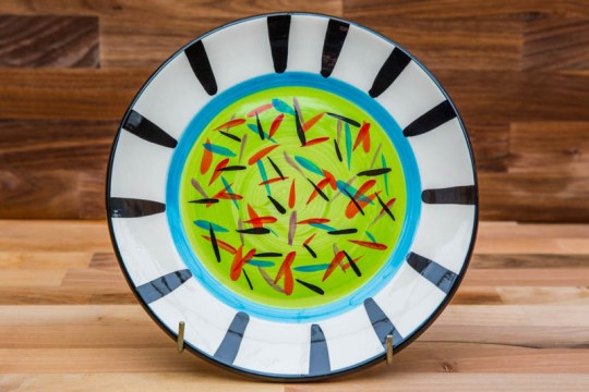 Splash 11″ dinner plate in lime green