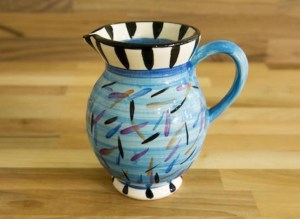 Splash medium jug in pale blue