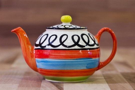 Hi-Life Gaudy extra large teapot in Scribble