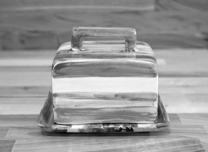 Lustre Horizontal butter dish in No.02