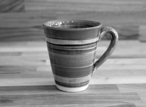 black-and-white-pottery