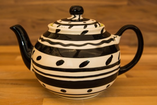 Black and White medium teapot in Banded