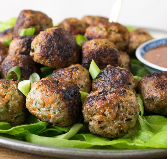 thai meatballs with sweet chili sauce