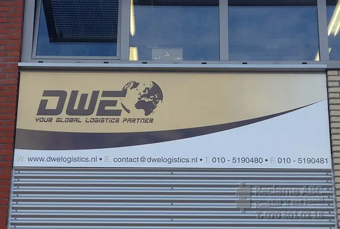 Reclame ABC reclameborden DWE Your Global Logistics Partner