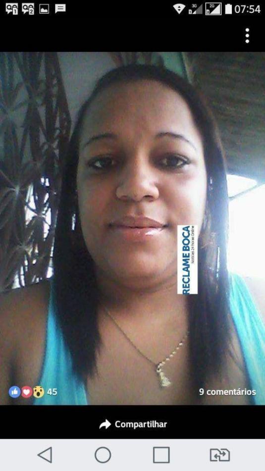 olkjj-021 Mulher é morta e outros são baleados na porta de um bar no bairro Malhado em Ilhéus