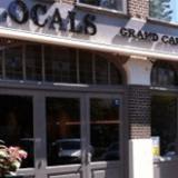 belettering pand Locals Grand Café in Medemblik door de Designbrigade   Zwaagdijk