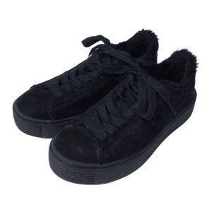 Ténis pretos com pelo - reCloset roupa em segunda mão