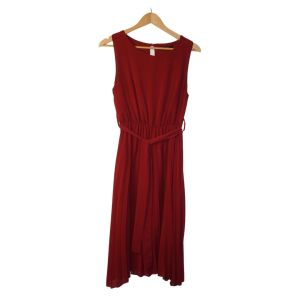 Vestido bordeaux sem mangas e saia plissada - reCloset roupa em segunda mão