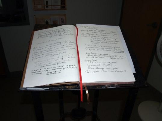 Livre d'Or - À vous de le signer maintenant en ajoutant vos commentaires!