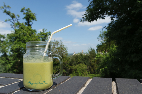 healthy-summer-smoothie-recipe-with-home-treats