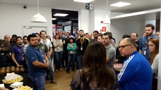Fernanda explanning the face verification method to Motorola and Eldorado Institute employees.