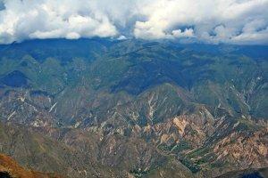 Die Dimensionen dieser Berge kann man sich gar nicht vorstellen.