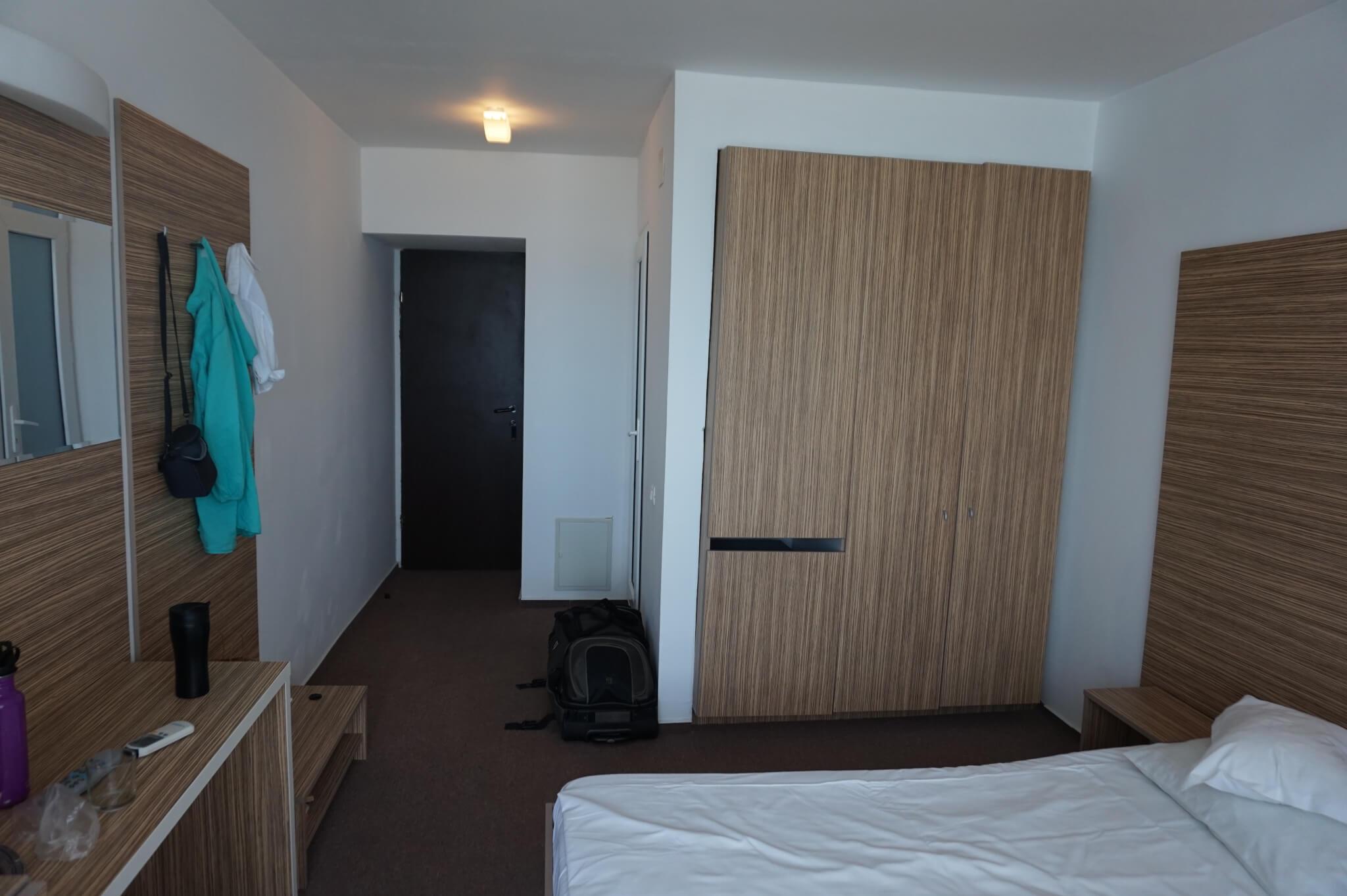 Camera de hotel - alt unghi