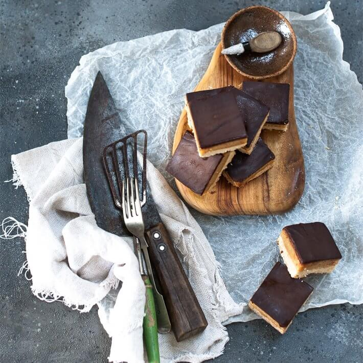 Keto Chocolate Caramel Slice
