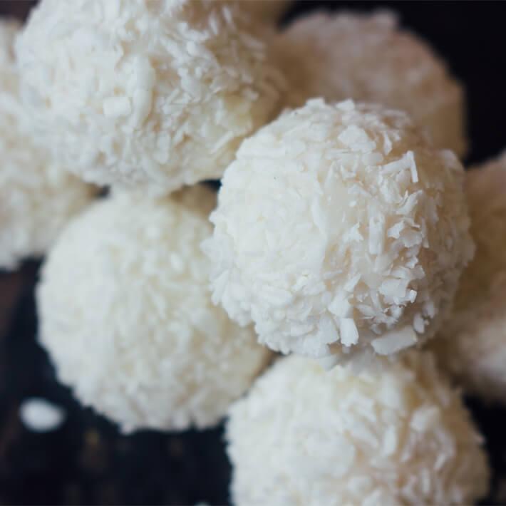 Keto Lemon Coconut Cream Cheese Balls