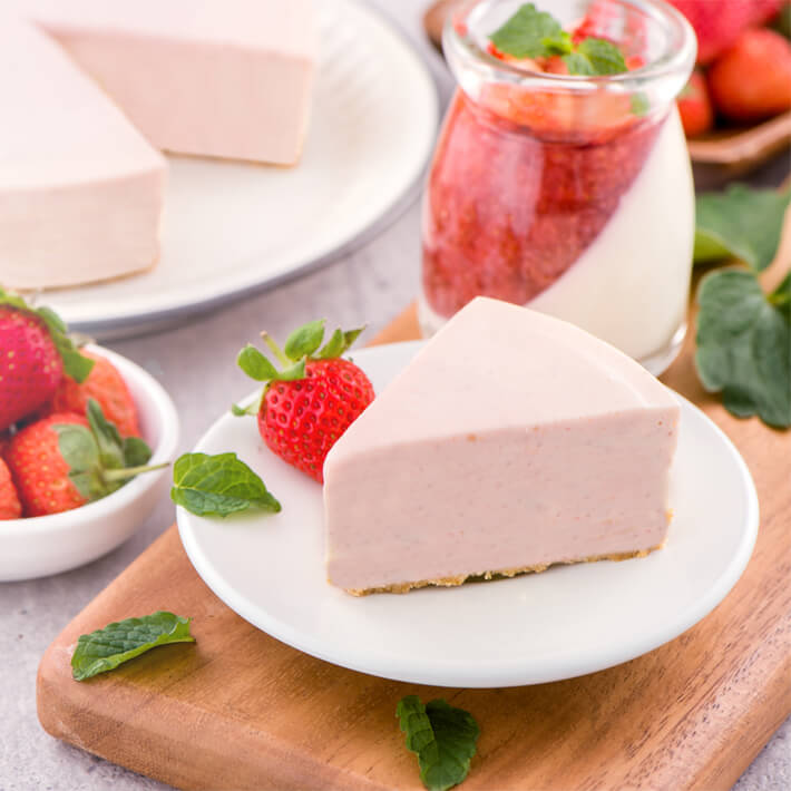 Low Carb Strawberry Mousse Pie second