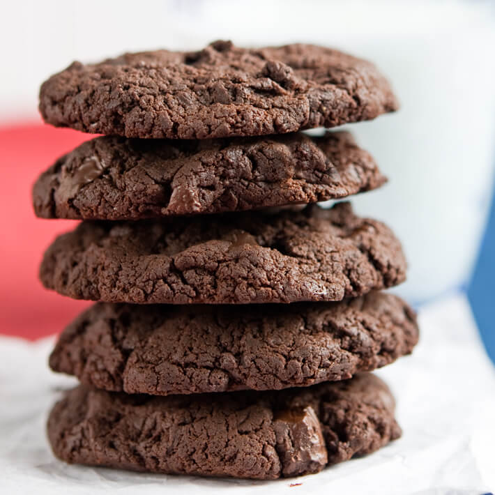 Low Carb Chocolate Zucchini Cookies