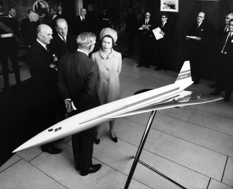 UNITED KINGDOM - SEPTEMBER 01: Bristol Filton; Hm The Queen Elizabeth Ii And Concord Supersonic Airliner Model At The British Aircraft Corporation In September 1966. (Photo by Keystone-France/Gamma-Keystone via Getty Images)