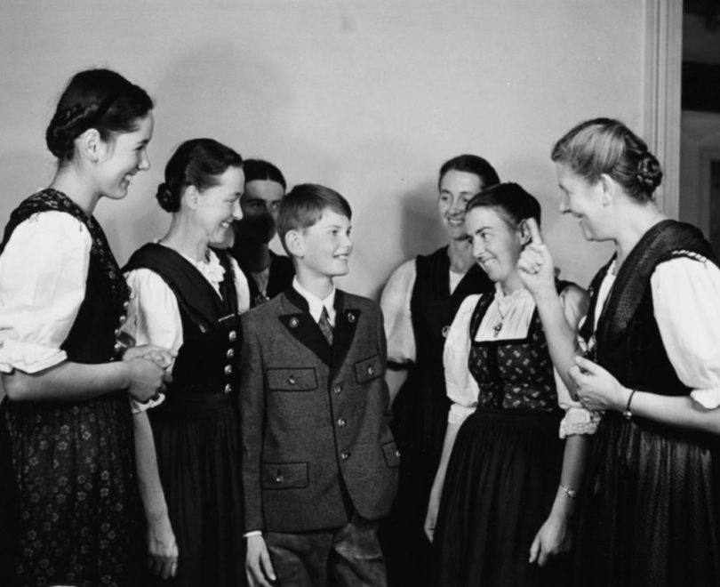 Portrait of Baroness Maria Von Trapp (right) talking to her children, including Johannes (centre) who is the youngest family member, London, circa 1950. (Photo by George Konig/Keystone Features/Getty Images)