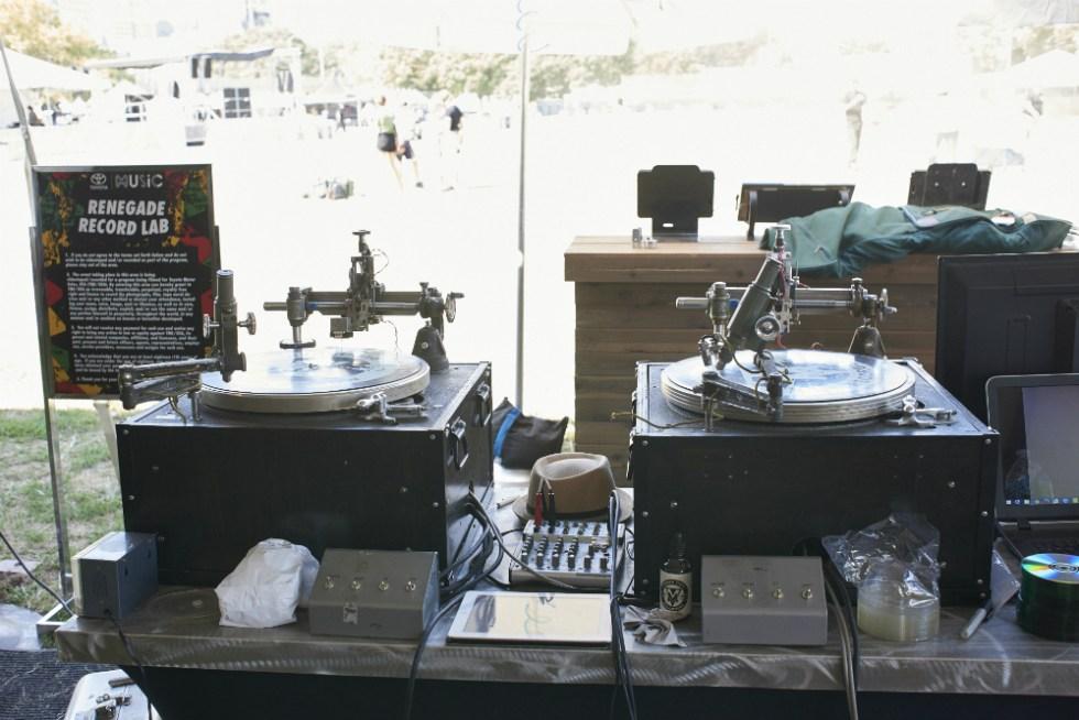 mobile-vinyl-3