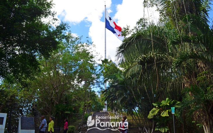 Panamanian flag, the largest in the country at Ancón Hill