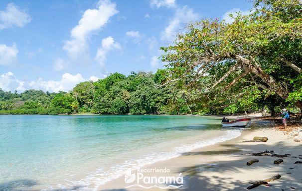 Blanca beach, one of the colon paradisiacal beaches