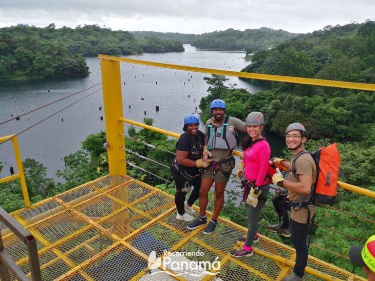 Los aventureros. Canopy sobre el Lago Gatún.