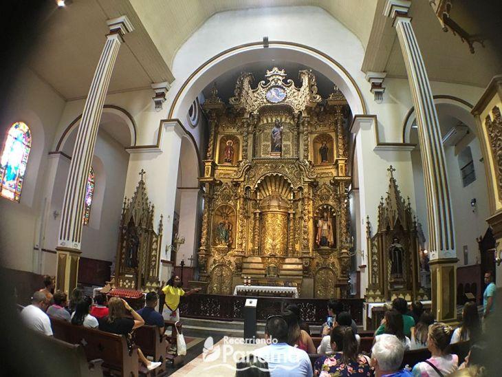 Dentro del Free Walking Tour visitamos la Iglesia San José.