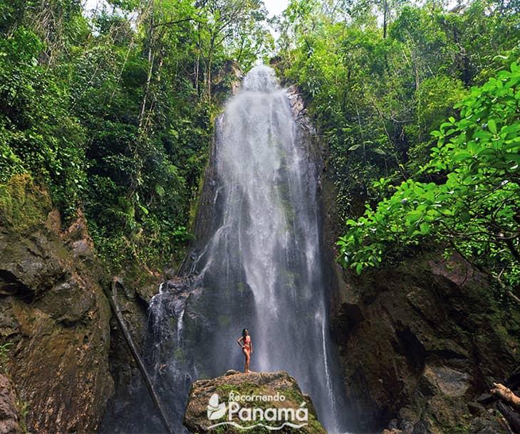 Arenilla Waterfall