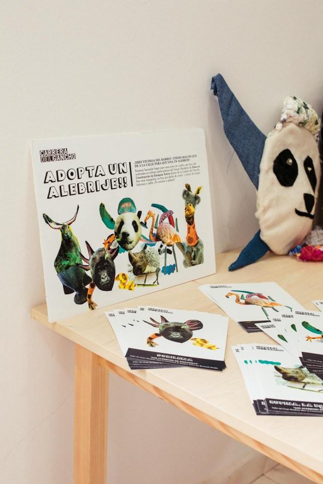 creacion de personajes con material reciclado