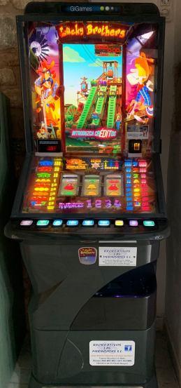 Máquina recreativa Gigames Lucky Brothers de Recreativos Las Merindades