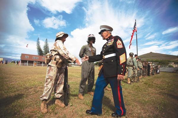 marine corps uniforms at