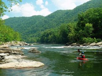 west-virginia-kayaking-new-river
