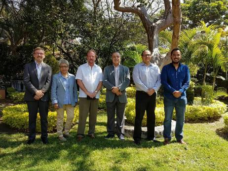 Stéphane Thys, Julia Batchelor, Robert Huxtable, Rector Javier Epinosa, Vicerrector Rodolfo Ricaño y Javier Noriega