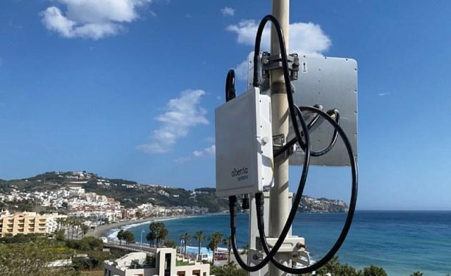 Método de conexión a Internet en el que los datos se trasmiten a través de ondas de radio.
