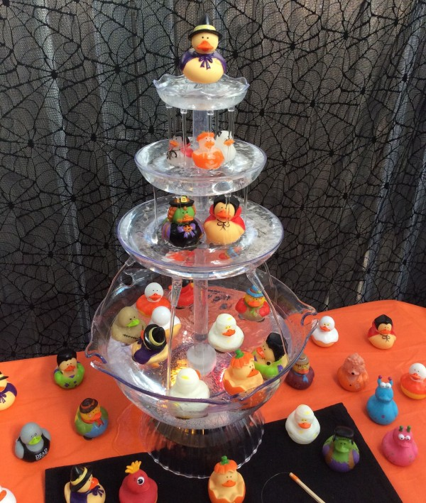 Recycled Halloween Decorations: Halloween Rubber Ducky Fishing Fountain Game