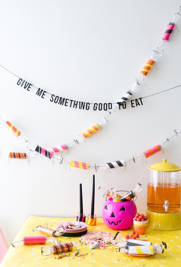 toilet-paper-roll-candy-garland