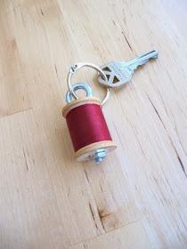 spool-of-thread-key-chain_3612