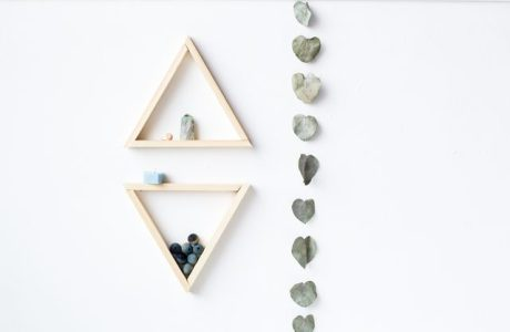 How to make triangle shelves