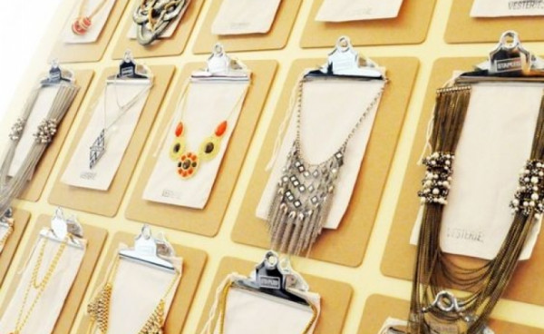 great collection of fun ways to display jewelry