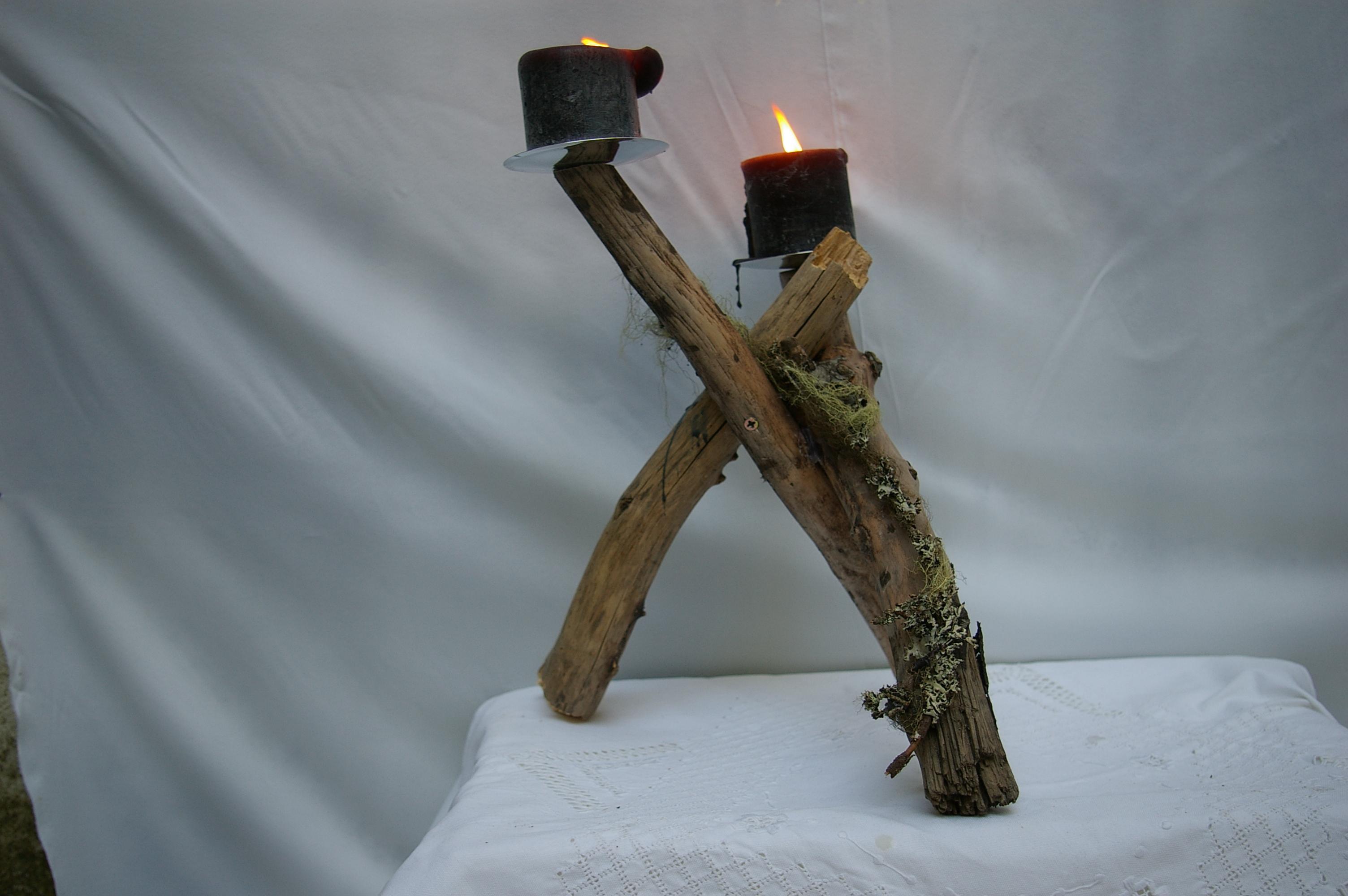 Kerzenständer mit Kerzen