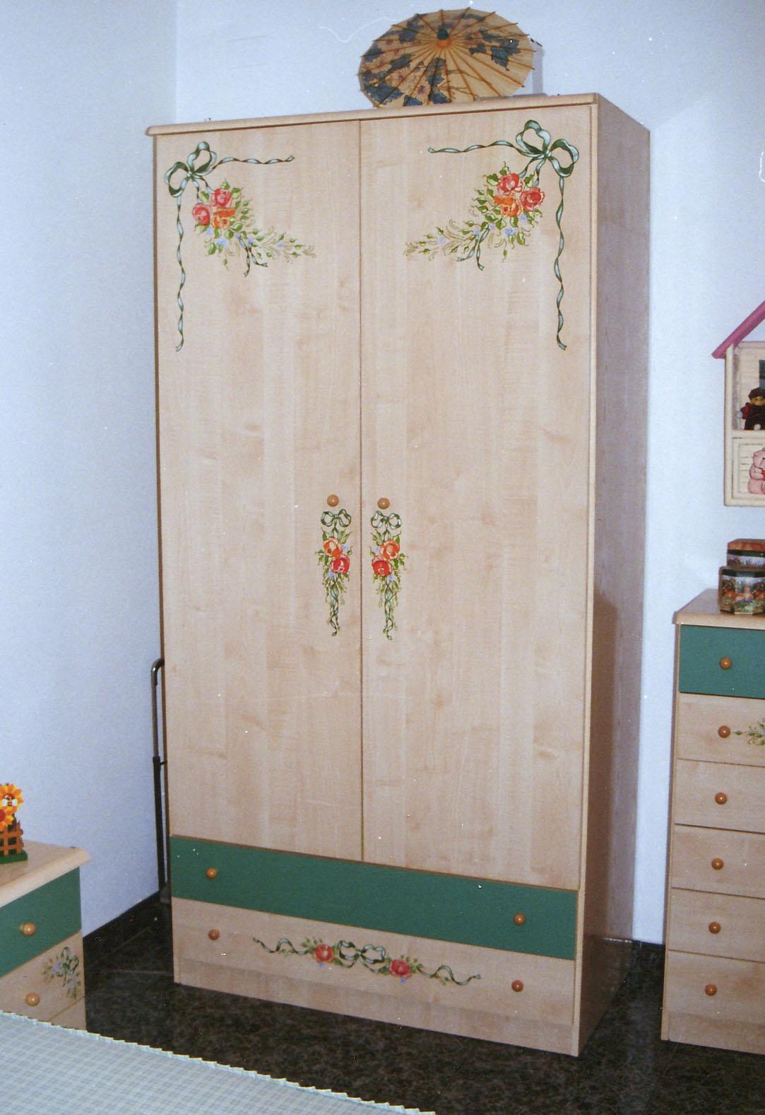 armarios  RECYDECOR muebles pintados a manomuebles vintage