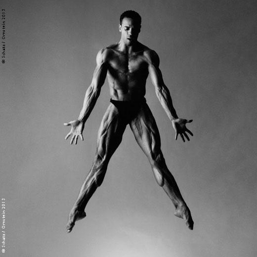 Fascinante la flexibilidad de los bailarines en fotografia