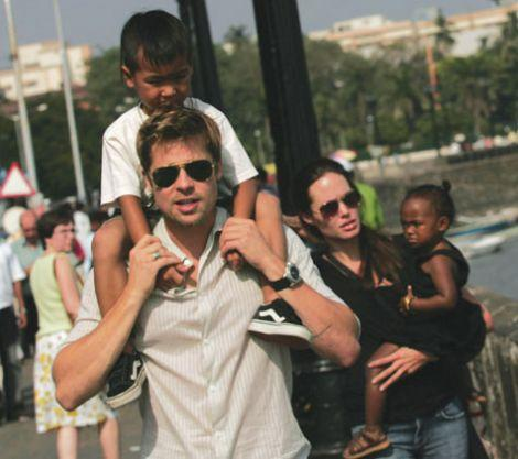 Brad & Angelina: ''Ia mama si bea''