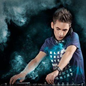 DAVID DJ cauta o noua voce