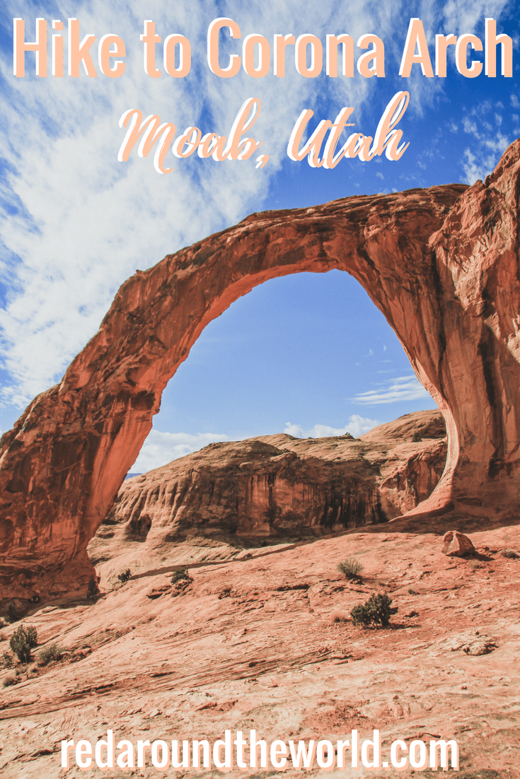 Hike to Corona Arch on Potash Road near Moab, Utah