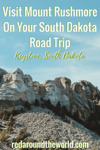 Mount Rushmore is a must-see on a South Dakota Road Trip. Between the Badlands and the Blackhills, it's an iconic landmark that can't be missed. Make sure you visit Mount Rushmore on your South Dakota road trip over the summer. #southdakota #nps #mountrushmore #blackhills #usa #travel #roadtrip #nationalpark