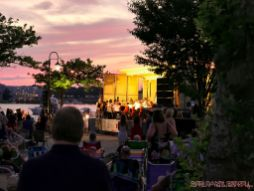 New Jersey Symphony Orchestra in Marina Park 3 of 18