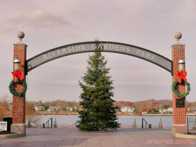 Red Bank Holiday Decorations Horse Rides 23 of 33