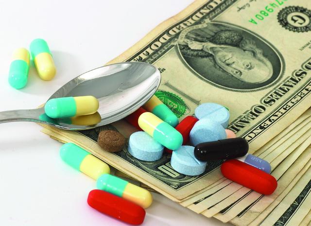 Farmacéuticas, dinero y medicamentos
